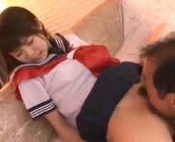 変態オヤジの執拗なクンニにイッちゃうと連発しながらイキまくる美少女